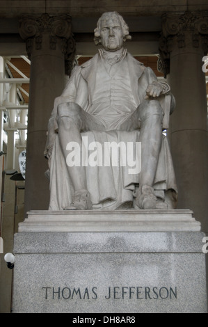 Thomas Jefferson (1743-1826). Third President of the United States (1801–1809). Statue. Missouri History Museum. - Stock Photo