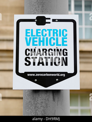 Sign for an Electric Vehicle Charging Station, Westminster, London, UK. - Stock Photo
