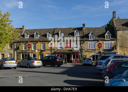The Old Stocks Hotel and Restaurant in the Cotswold town of Stow-on-the-Wold - Stock Photo