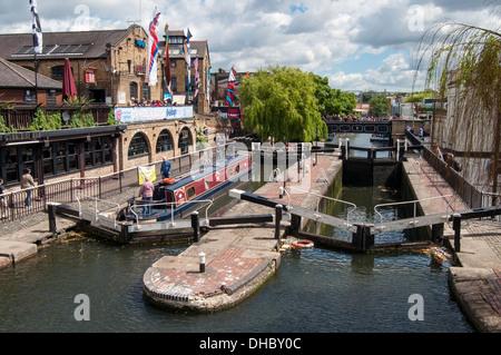 Camden Lock (Hampstead Road Lock No 1), Manually Operated Lock on the Regent's Canal, London, England - Stock Photo