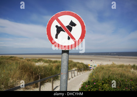 Germany, Lower Saxony, East Frisia, Langeoog, sign No dogs allowed - Stock Photo