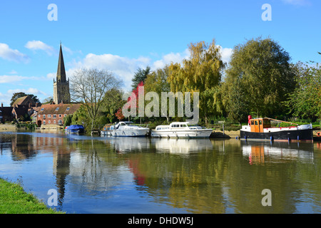 Nag's Head Island and St Helen's Church across River Thames, Abingdon-on-Thames, Oxfordshire, England, United Kingdom - Stock Photo