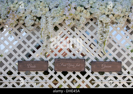 Bride groom find your seat sign wedding reception wood wooden couple new start ceremony church area party celebration - Stock Photo