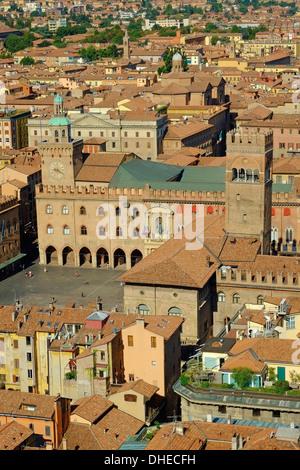 Piazza Maggiore, Bologna, Emilia-Romagna, Italy, Europe - Stock Photo