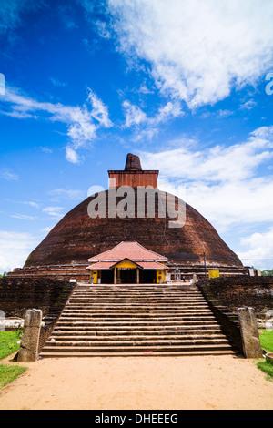 Jetvanarama Dagoba (Jetvanaramaya Stupa), Anuradhapura, UNESCO World Heritage Site, Sri Lanka, Asia - Stock Photo