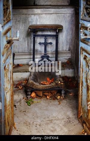 Grave in Paris graveyard - Stock Photo