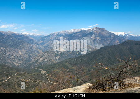 View of Highway 180 Kings Canyon & Wren Peak from Hume Lake Road, Sequoia National Forest, California, USA. - Stock Photo