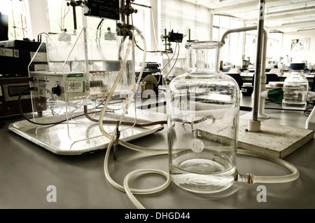 biomedical biology research science laboratory experiment setup to record electrophoresis and muscle cell activity - Stock Photo