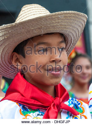 Hispanic dancers and performers during the 32 edition of Hispanic Fiesta in Toronto - Stock Photo