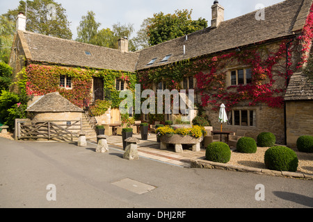 The Slaughters Country Inn, Lower Slaughter, Cotswolds, Gloucestershire, England, UK - Stock Photo