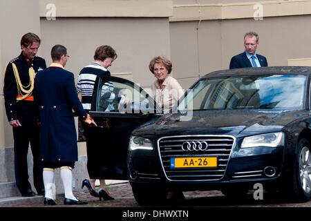 Princess Maxima, Prince Willem-Alexander, Queen Beatrix, Prince Constantijn, Princess Laurentien, Princess Margriet - Stock Photo