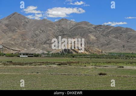 Gyantse Dzong fortress Tibet - Stock Photo