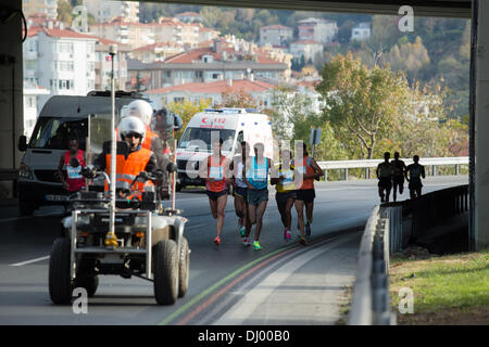 Istanbul,Turkey. 17th Nov, 2013. Vodafone Istanbul Marathon held in Istanbul today.The runners start from the Bosphrus - Stock Photo