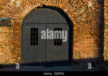 Dungeon like doors of the Roman well at Kalemegdan fortress Belgrade - Stock Photo & Spooky dungeon door Stock Photo Royalty Free Image: 74550778 - Alamy pezcame.com