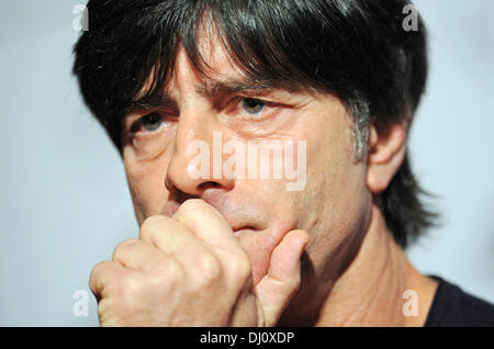 London, UK. 18th Nov, 2013. National soccer coach Joachim Loew during a press conference in London, UK, 18 November - Stock Photo