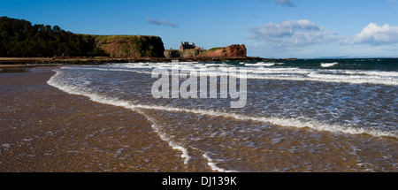 Tantallon Castle from Oxroad Bay, East Lothian, Scotland, UK - Stock Photo