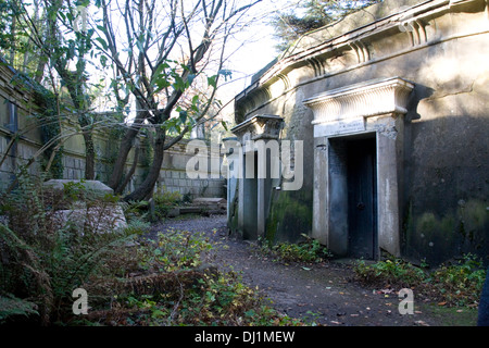 Catacombs at Highgate cemetery - Stock Photo