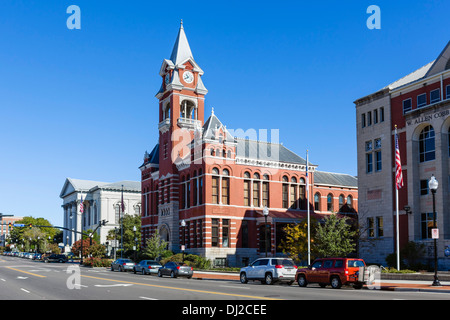 View down N 3rd Street with New Hanover County Courthouse to right, Wilmington historic district, North Carolina, - Stock Photo