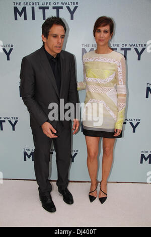 Sydney Entertainment Centre, Sydney, NSW, Australia. Ben Stiller (Zoolander, Meet The Parents) and Kristen Wiig - Stock Photo
