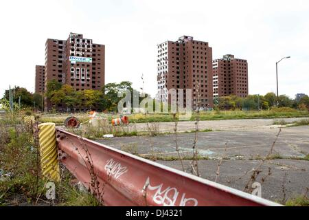 The abandoned towers of the Brewster-Douglass Housing Projects Detroit, USA. Ready for the planed demolishing. The - Stock Photo