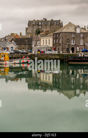 Across the harbour in Padstow to the Metropole Hotel - Stock Photo
