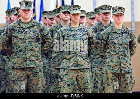 Pfc. Cristina Fuentes Montenegro, left, and Pfc. Julia Carroll, two of the first three female Marine graduates from - Stock Photo