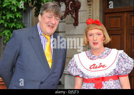 Stephen Fry and Grayson Perry The Royal Academy of Arts unveils plans for The Keeper's House – a major new building - Stock Photo