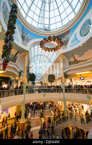 Christmas shoppers in the Trafford Centre, manchester, UK. - Stock Photo