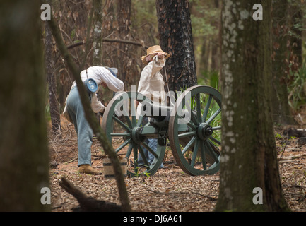 US soldiers recreating the 2nd Seminole War during Native American Festival at Oleno State Park in North Florida. - Stock Photo