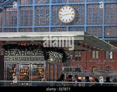 St Pancras Station interior Camden London England UK Searcys Champagne bar - Stock Photo
