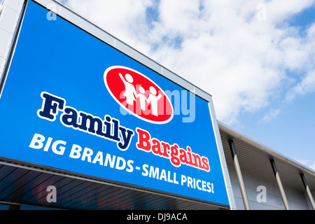 Entrance to budget store 'Family Bargains', Reading, Berkshire, England, GB, UK. - Stock Photo