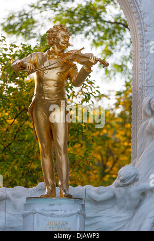 Statue of musician Johann Strauss II, also known as the 'Waltz King', 1825 - 1899, Vienna, Austria - Stock Photo