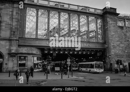 Glasgow Central Railway Station - view from Argyle Street, Glasgow, Scotland - Stock Photo