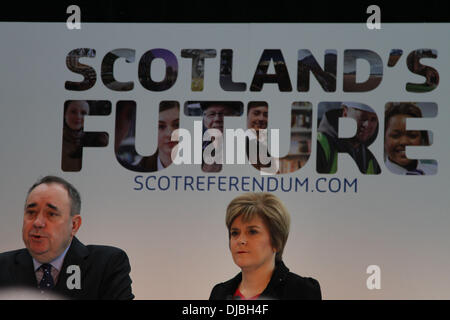 Glasgow, Scotland. 26th Nov, 2013. Scotland's First Minister Alex Salmond (L) and Deputy First Minister Nicola Sturgeon - Stock Photo