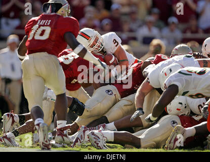 Oct 20, 2007 - Tallahassee, Florida, USA - Canes quarterback #3 KYLE WRIGHT sneaks into the endzone on a run in - Stock Photo