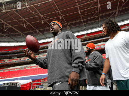 Oct 28, 2007 - London, England, UK - Miami Dolphins JOEY PORTER and CHANNING CROWDER enter the Wembley Stadium field - Stock Photo