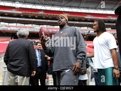 Oct 28, 2007 - London, England, UK - Dolphins JOEY PORTER and CHANNING CROWDER enter Wembley Stadium for the first - Stock Photo