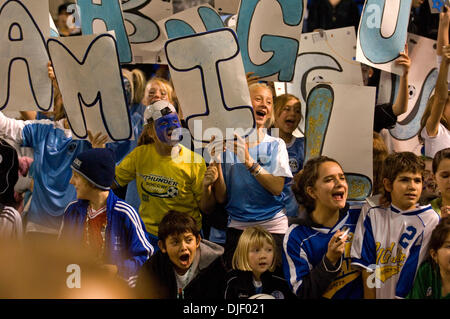 Nov 11, 2007 - Minneapolis, Minnesota, USA - Fans watch David Beckham leaving the field following the game with - Stock Photo