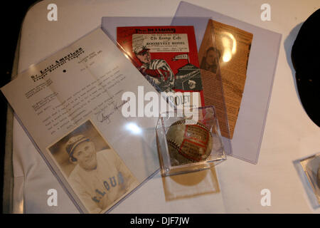 Jan 28, 2008 - Manhattan, New York, USA - Hall of Fame New York Yankees Pitcher Whitey Ford joined Hunt Auctions - Stock Photo