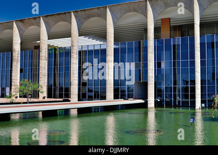Brazil, Brasilia: Side view of the Itamaraty Palace, the seat of brazilian Department of Foreign Affairs - Stock Photo