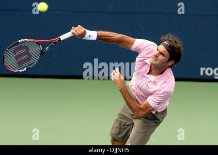 Aug. 15, 2010 - Toronto, Ontario, Canada - 15 August, 2010: ROGER FEDERER (SUI) in action against ANDY MURRAY (GBR) - Stock Photo