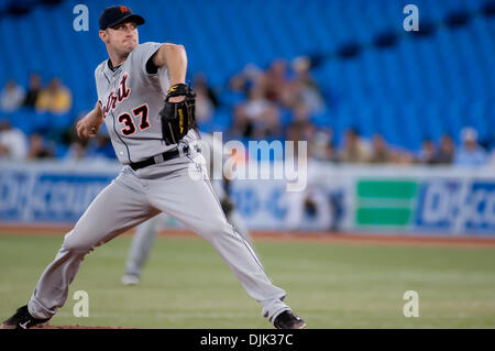 Aug. 26, 2010 - Toronto, Ontario, Canada - Detroit Tigers starting pitcher Max Scherzer #37 delivers against the - Stock Photo