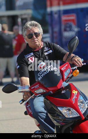 Aug. 28, 2010 - Joliet, Illinois, United States of America - Mario Andretti arriving at the drivers meeting before - Stock Photo