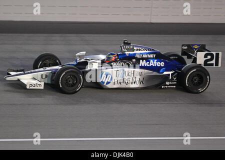 Aug. 28, 2010 - Joliet, Illinois, United States of America - Davey Hamilton (21) during the IZOD IndyCar Peak Antifreeze - Stock Photo