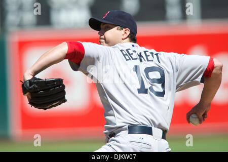Sept. 12, 2010 - Oakland, California, United States of America - Red Sox pitcher Josh Beckett (19) pitches during - Stock Photo