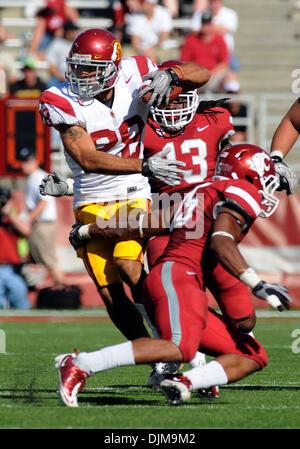 Sept. 25, 2010 - Pullman, Washington, United States of America - USC tail back Dillon Baxter (28) breaks the arm - Stock Photo