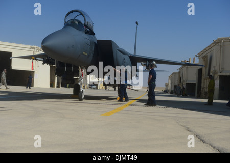 48th Aircraft Maintenance Squadron personnel perform post flight actions on an F-15E Strike Eagle in preparation - Stock Photo