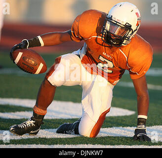 Sep 04, 2008 - San Antonio, Texas, U.S. -  Madison's AARON GREEN rumbles in the endzone for a touchdown. (Credit - Stock Photo