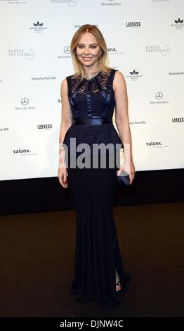 Berlin, Germany. 29th Nov, 2013. Italien actress Ornella Muti arrives to the the German press ball (Bundespresseball) - Stock Photo