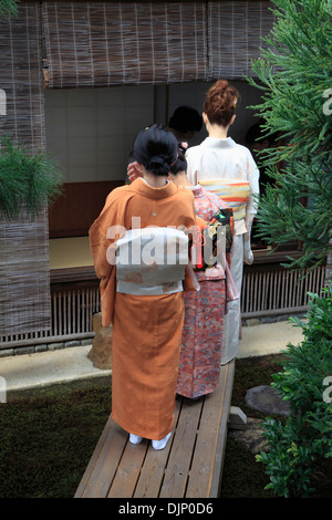 Japan, Kyoto, Daitokuji Temple, Zuiho-in, garden, people, - Stock Photo